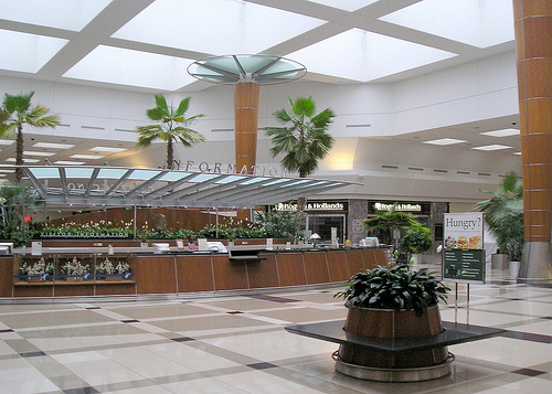 PUBLIC SPACES - MAKORE QC - Woodland Mall, Grand Rapids (1)