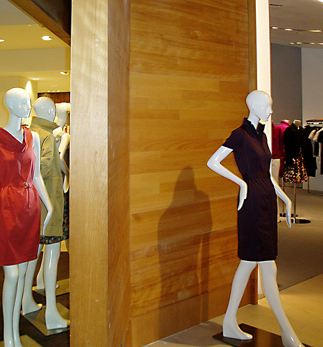 RETAIL - ANIGRE PLANK - Saks Fifth Avenue