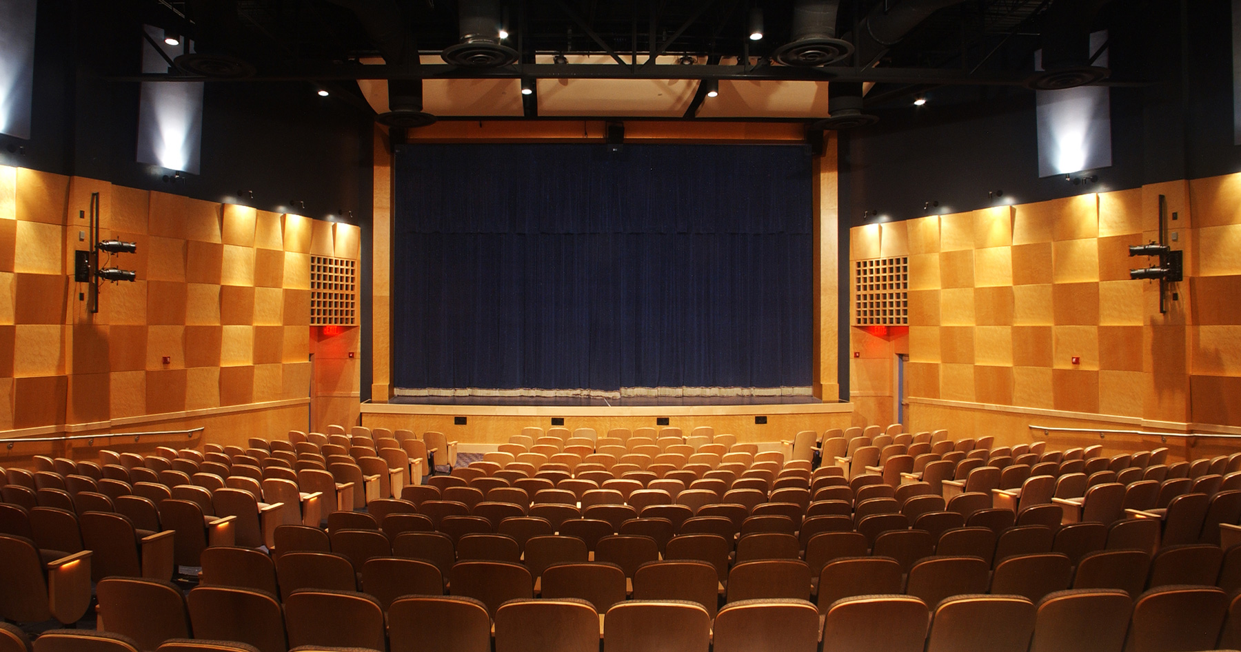 Sanply-maple-be-fla-memorial-college-auditorium_8009900368_o